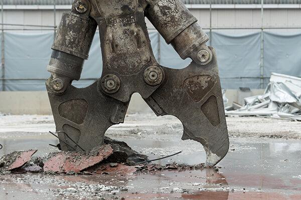 解体用建機の本領、豊富なバリエーションで解体現場の需要をカバーするタグチの代名詞ブランド。