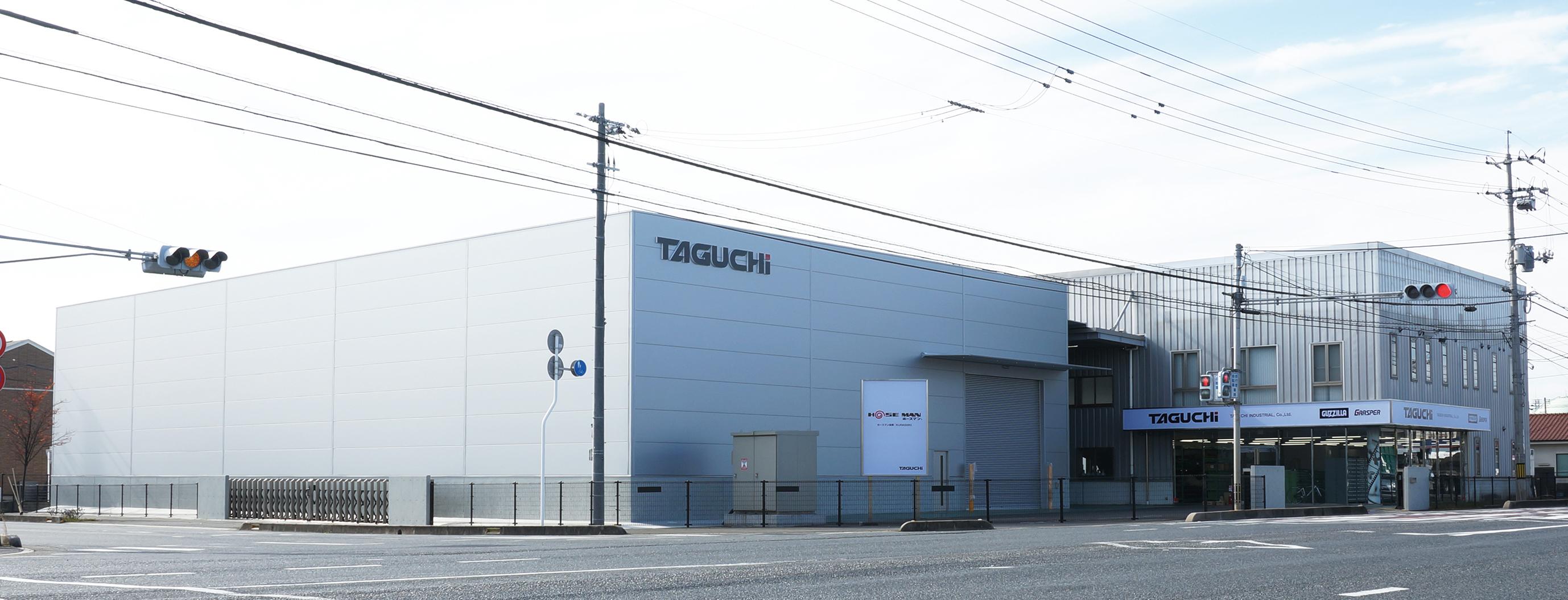 写真手前が新工場